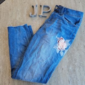 Curations 3D Floral ankle jean Size 8